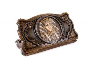 Tutanhamon backgammon with copyrighted contour outline