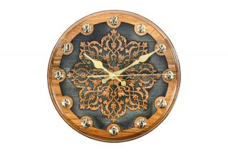 Clock with Uzbek ornamental motif