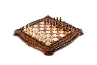 Шахматы с авторским оформлением контура